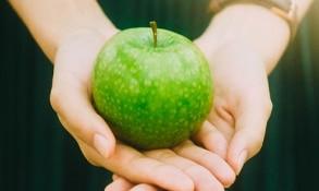 Nutritionist Framingham MA Apple